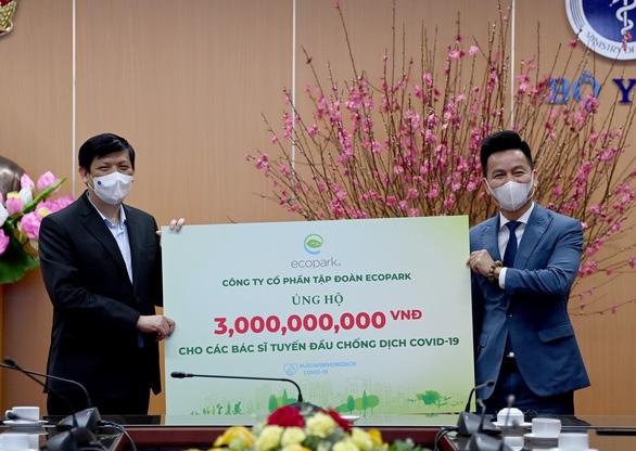 Ecopark ủng hộ 13 tỉ đồng cho phòng chống dịch COVID-19